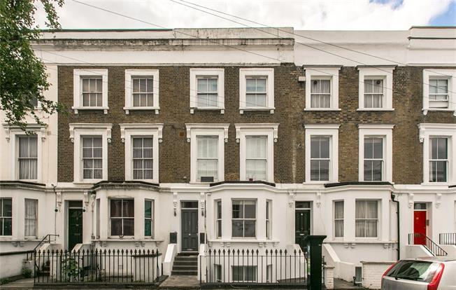 Asking Price £650,000, 3 Bedroom Flat For Sale in London, SW12