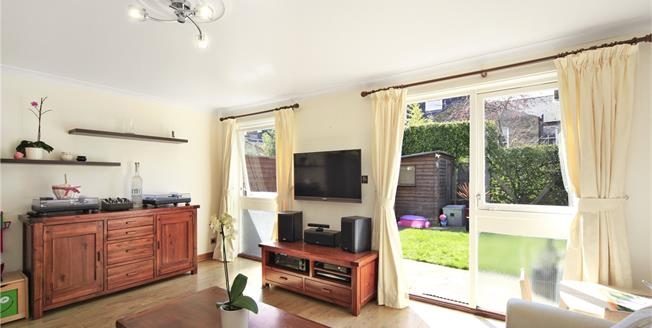 Asking Price £750,000, 3 Bedroom Semi Detached House For Sale in London, SW12