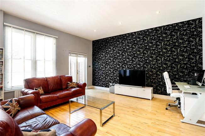 Asking Price £895,000, 2 Bedroom Flat For Sale in London, SW12