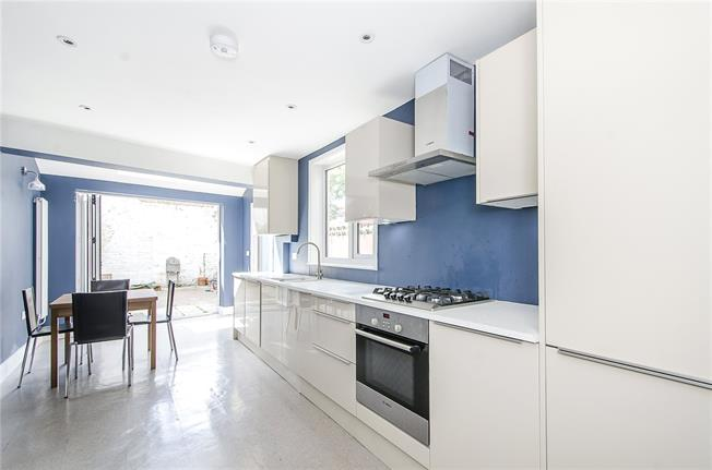 Asking Price £950,000, 5 Bedroom Terraced House For Sale in London, SW12
