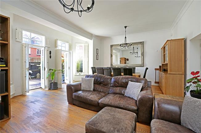 Asking Price £900,000, 4 Bedroom House For Sale in London, SW16