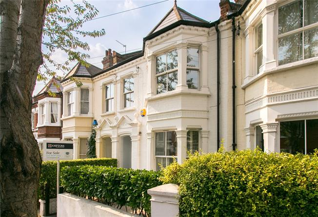 Asking Price £675,000, 2 Bedroom Flat For Sale in London, SW12