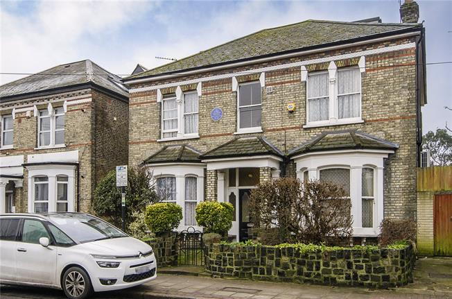 Asking Price £1,750,000, 6 Bedroom Detached House For Sale in London, SW17