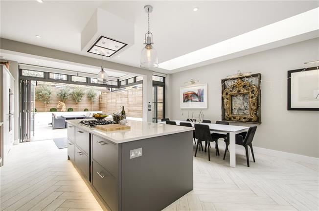 Asking Price £1,600,000, 5 Bedroom Terraced House For Sale in London, SW17