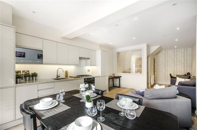 Asking Price £550,000, 1 Bedroom Flat For Sale in London, SW12