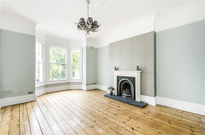 Asking Price £999,950, 4 Bedroom Flat For Sale in London, SW12