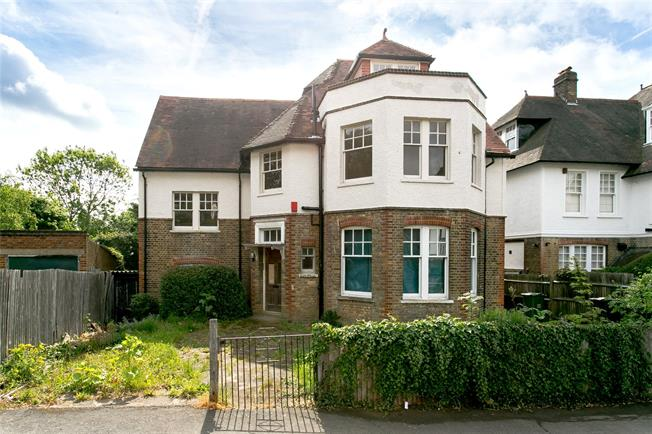 Asking Price £1,400,000, 5 Bedroom Detached House For Sale in London, SW2