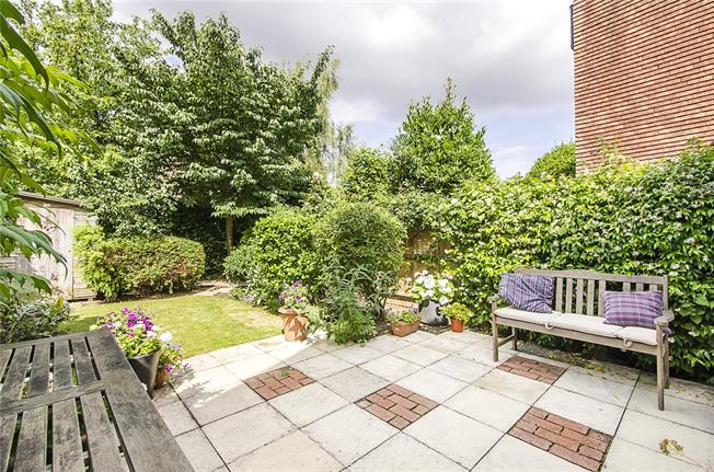 Asking Price £1,200,000, 4 Bedroom Terraced House For Sale in London, SW17