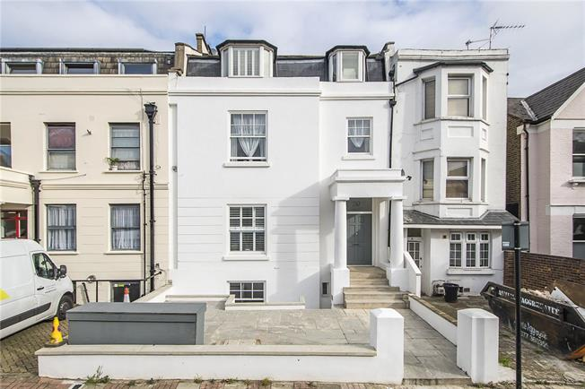 Asking Price £625,000, 2 Bedroom Flat For Sale in London, SW12
