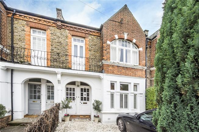 Asking Price £725,000, 3 Bedroom Flat For Sale in London, SW12