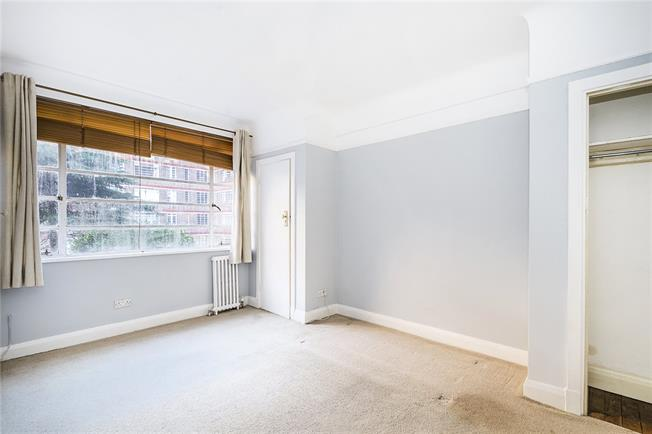 Asking Price £340,000, 1 Bedroom Flat For Sale in London, SW17