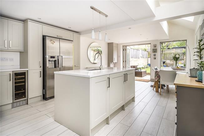 Asking Price £1,150,000, 3 Bedroom Terraced House For Sale in London, SW12