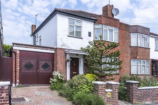 Asking Price £850,000, 3 Bedroom Semi Detached House For Sale in London, SW12
