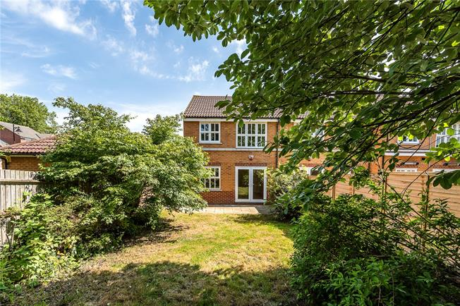 Asking Price £645,000, 3 Bedroom Semi Detached House For Sale in London, SW17