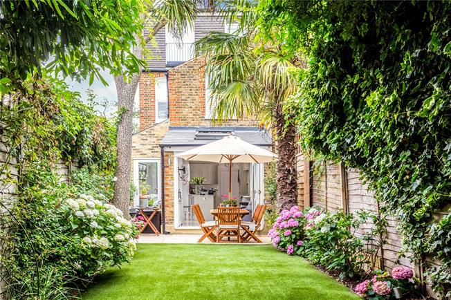 Asking Price £1,250,000, 3 Bedroom Terraced House For Sale in London, SW12