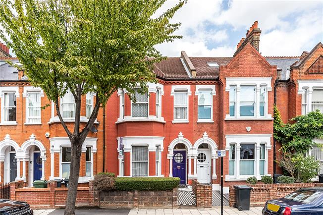 Asking Price £1,175,000, 4 Bedroom Terraced House For Sale in London, SW12