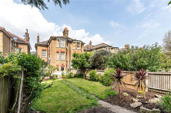 Asking Price £1,175,000, 7 Bedroom Semi Detached House For Sale in London, SW2