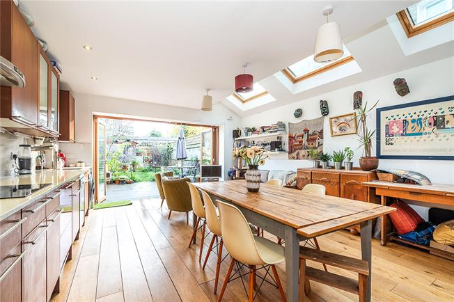 Asking Price £1,125,000, 4 Bedroom Terraced House For Sale in London, SW12