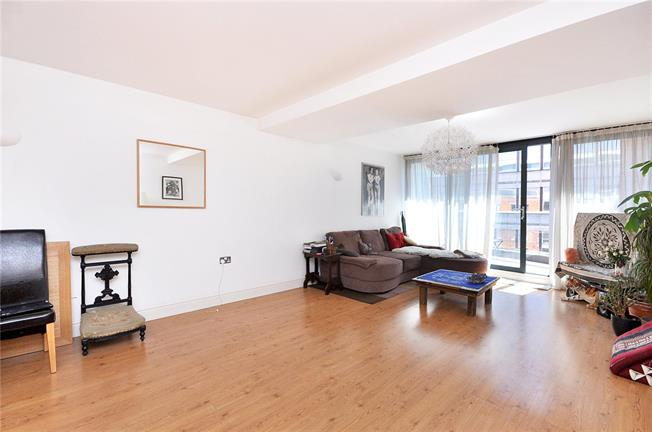 Asking Price £390,000, 1 Bedroom Flat For Sale in London, SW16