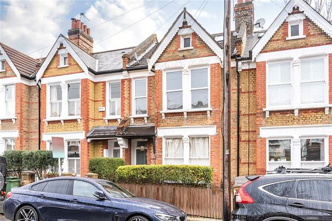 Asking Price £675,000, 3 Bedroom Flat For Sale in London, SW12