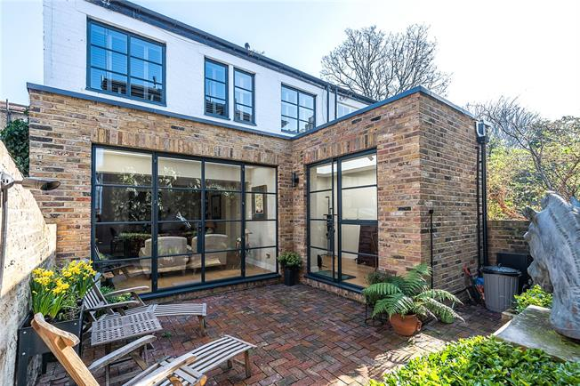 Asking Price £945,000, 2 Bedroom Semi Detached House For Sale in London, SW12