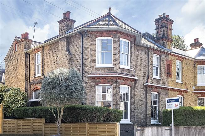 Asking Price £1,375,000, 4 Bedroom Semi Detached House For Sale in London, SW2