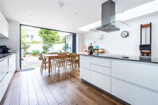 Asking Price £1,475,000, 5 Bedroom End of Terrace House For Sale in London, SW12