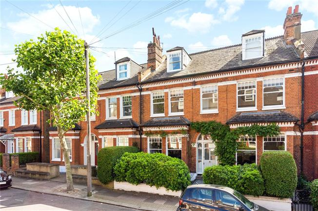 Asking Price £1,350,000, 4 Bedroom Flat For Sale in London, SW17