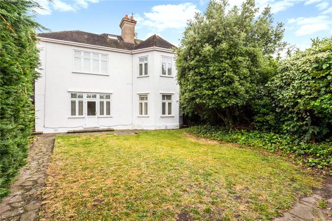 Asking Price £1,500,000, 7 Bedroom Detached House For Sale in London, SW16