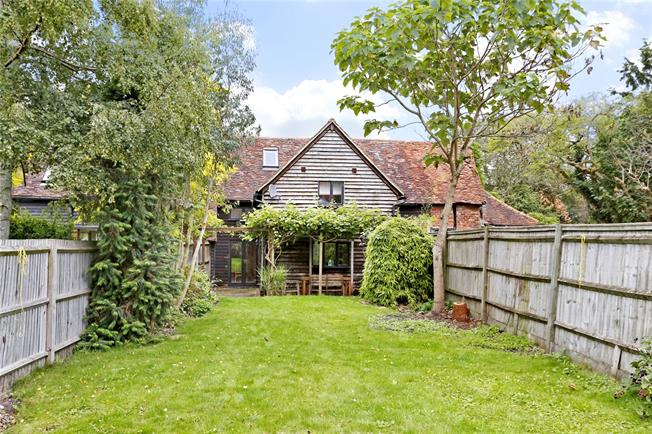 Guide Price £725,000, 3 Bedroom House For Sale in Amersham, HP7