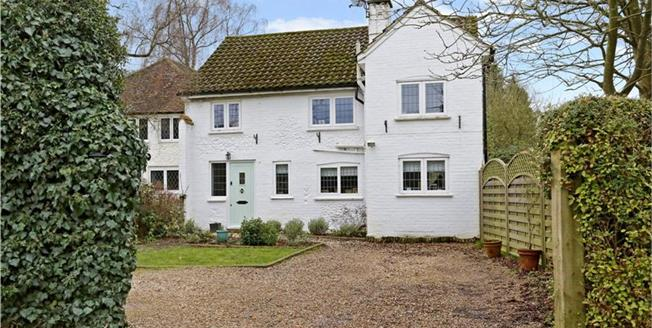 Guide Price £695,000, 4 Bedroom For Sale in Buckinghamshire, HP6