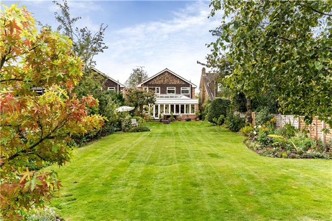 Asking Price £795,000, 4 Bedroom Detached House For Sale in Hertfordshire, HP23