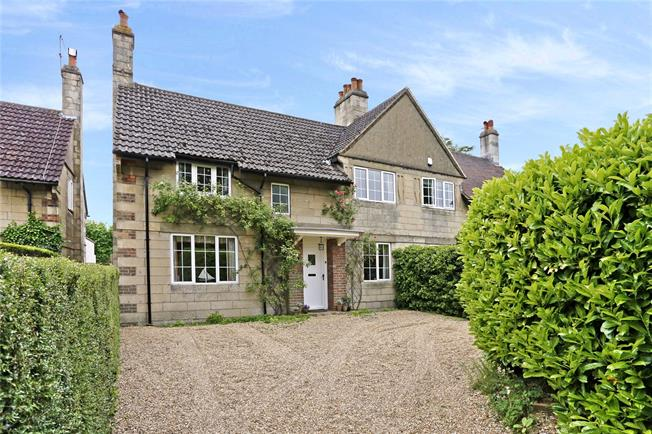 Guide Price £950,000, 4 Bedroom Semi Detached House For Sale in Amersham, HP6