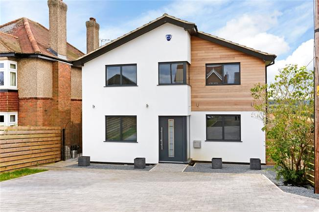 Guide Price £899,950, 4 Bedroom Detached House For Sale in Chesham, HP5