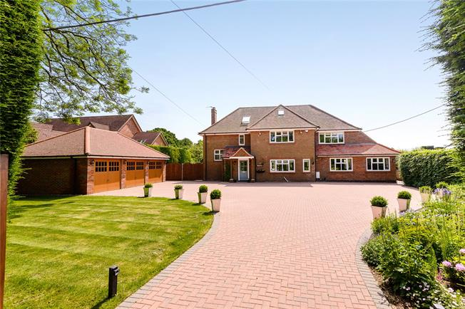 Guide Price £1,500,000, 5 Bedroom Detached House For Sale in Hyde Heath, HP6