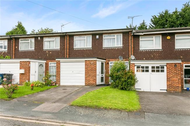 Offers in excess of £400,000, 3 Bedroom Terraced House For Sale in Amersham, HP7