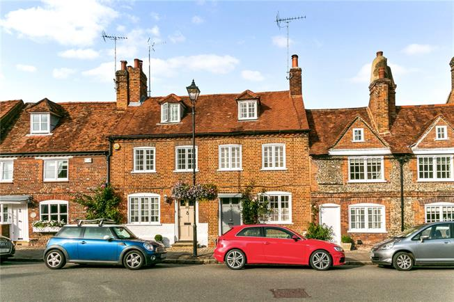 Fixed Price £850,000, 3 Bedroom Terraced House For Sale in Amersham, HP7