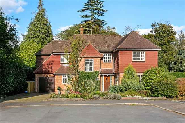 Guide Price £1,257,000, 5 Bedroom Detached House For Sale in Amersham, HP6