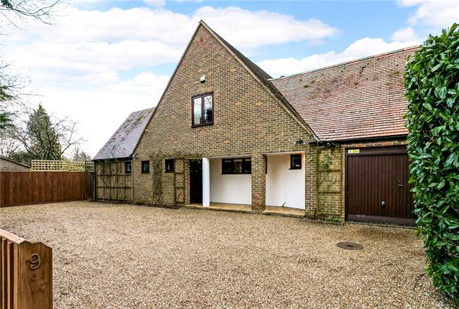 Guide Price £925,000, 4 Bedroom Detached House For Sale in Amersham, HP6