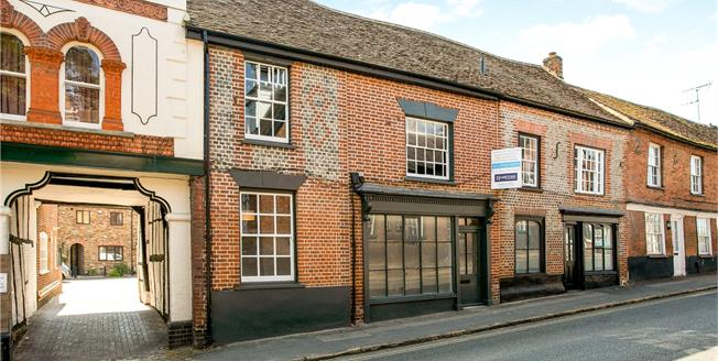 Guide Price £650,000, 4 Bedroom Mews House For Sale in Buckinghamshire, HP5