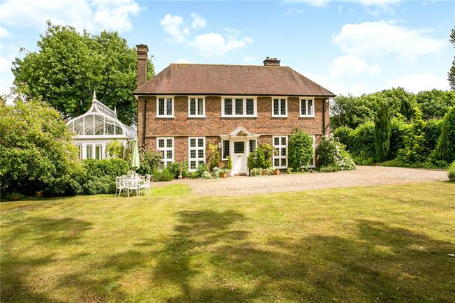 Offers in excess of £1,200,000, 4 Bedroom Detached House For Sale in Amersham, HP6