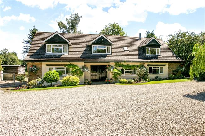 Guide Price £1,650,000, 5 Bedroom Detached House For Sale in Chesham, Buckinghamshire, HP5