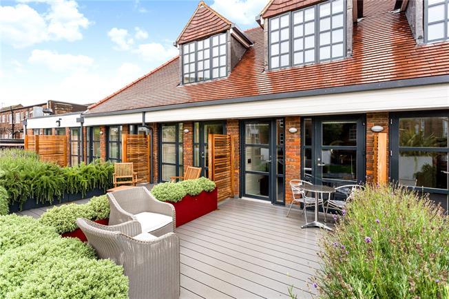 Asking Price £350,000, 1 Bedroom Flat For Sale in Amersham, HP6