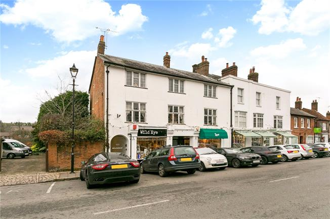 Guide Price £300,000, 1 Bedroom Flat For Sale in Amersham, HP7