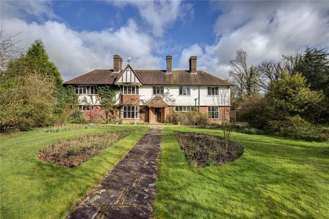 Asking Price £1,995,000, 5 Bedroom Detached House For Sale in Amersham, Buckinghamshire, HP6