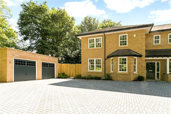 Asking Price £1,150,000, 4 Bedroom Semi Detached House For Sale in Chalfont St. Giles, HP8