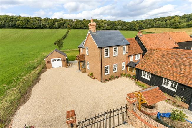 Asking Price £1,250,000, 4 Bedroom Detached House For Sale in Buckinghamshire, HP5