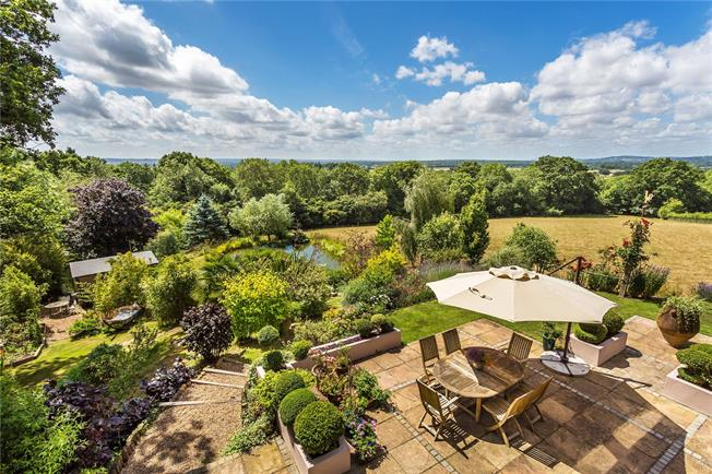 Guide Price £1,395,000, 3 Bedroom Detached House For Sale in Crockham Hill, TN8