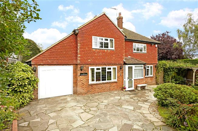 Guide Price £600,000, 3 Bedroom Detached House For Sale in Kent, BR6