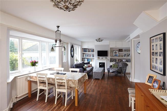 Asking Price £695,000, 3 Bedroom Detached House For Sale in Kent, TN13